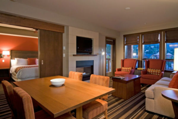 evolution-whistler-livingroom-4
