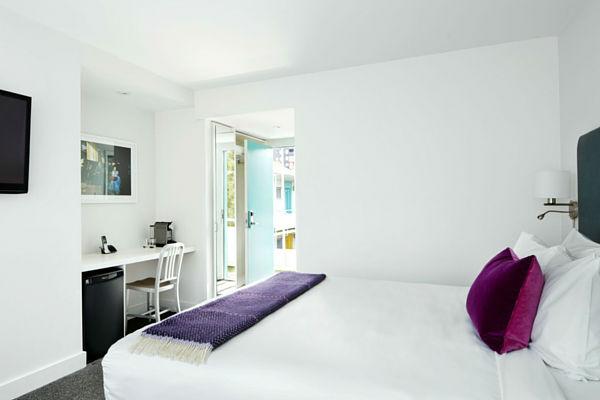 burrard-600x400-bed-desk