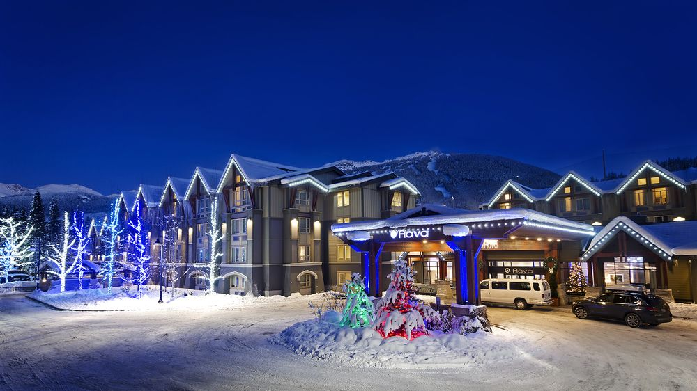 aava hotel whistler bc